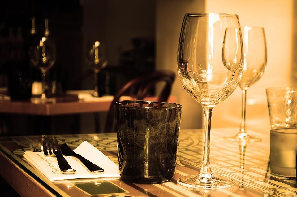 Karppaus ja ravintolassa syöminen